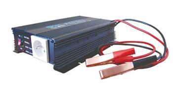 Měnič napětí 12V/230V 600W CZ + nabijecka autobaterii max.3A